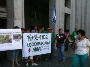 Concentración contra el aumento indiscriminado de medias jornadas en el sistema educativo público asturiano.