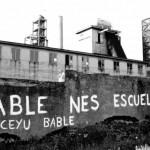 Pintada del añu 1981 cola reivindicación de la presencia de la Llingua Asturiana nel sistema educativu.